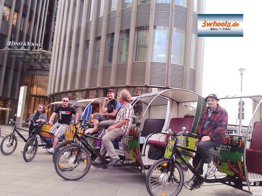 Rikscha-gefuehrte-Stadt-Touren-Berlin Rikschataxi Berlin
