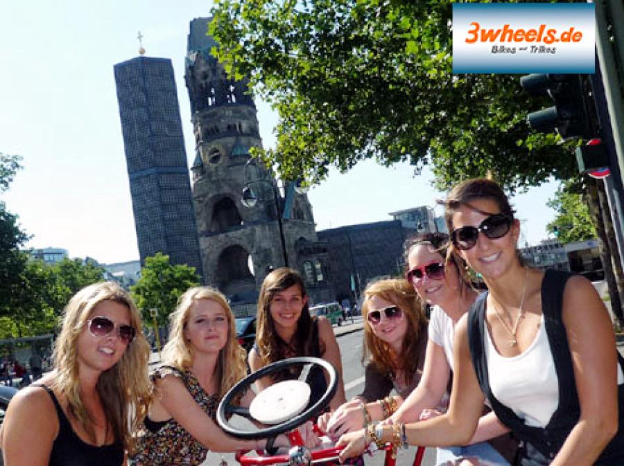 Bike Ride Berlin on 7 Seater Team - Bike - Radfahr Spaß auf Sieben Personen Team Fahrrad - Conference Bike Berlin