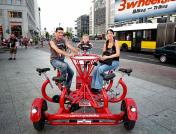 kreisrundes Teamfahrrad Potsdamer Platz Berlin - 3wheels.de