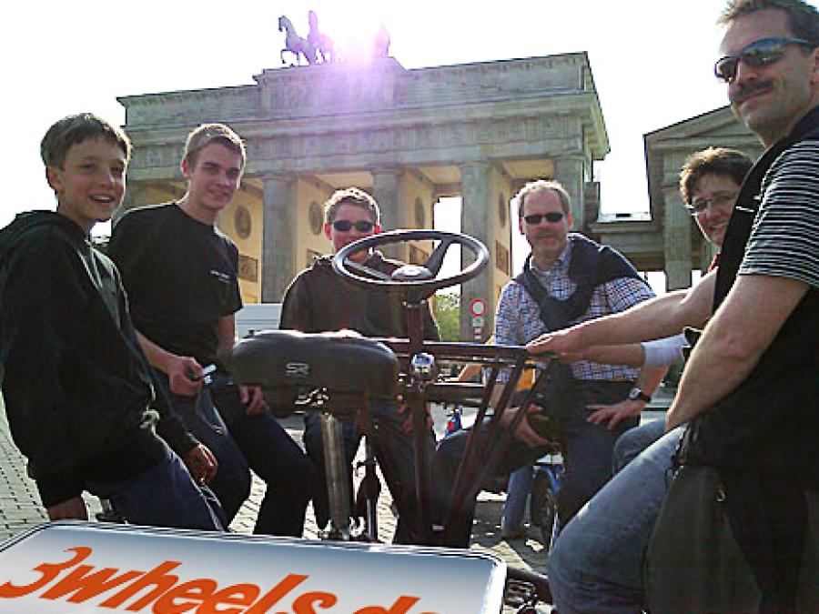 Stadtführung - Fahrradtour - Konferenz Fahrrad Berlin am Brandenburger Tor - 3wheels.de