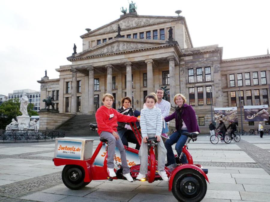 Stadtrundfahrt Berlin mit TeamBike - FunBike - 3wheels.de