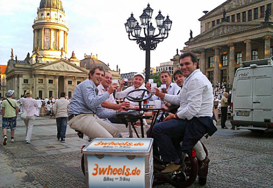 Berlin Fun-Bike Bachelor Party Bike JGA Junggesellen Abcshieds Party FunBike Berlin Tour 3wheels