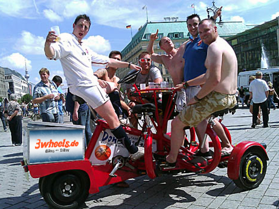 Berlin Fun-Bike Party-Bike 7 Sitzer FunBike Tour