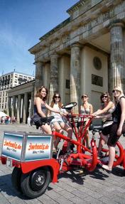 Berliner Fahrradtouren auf großem, kreisrunden Team Fahrrad - 3wheels.de